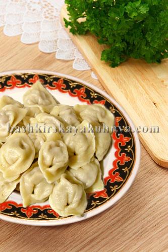 Блюдо башкирской национаьной кухни - пельмени по башкирски