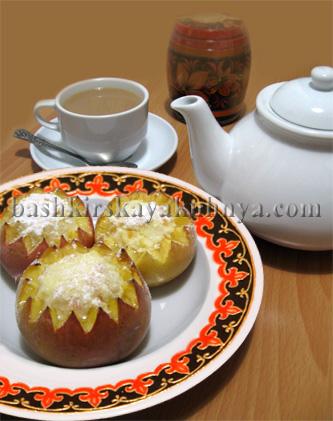 Рецепт блюда башкирской национальной кухни - Яблоки, фаршированные творогом